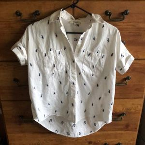 Short sleeve printed courier button down